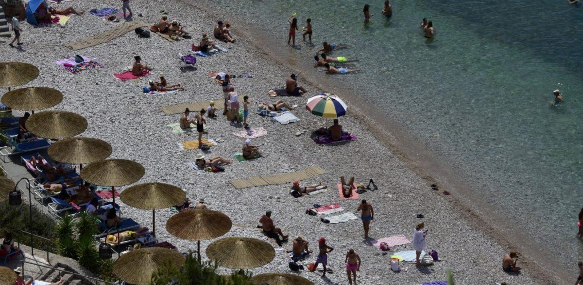 Καιρός – Δεκαπενταύγουστος: Κύμα ζέστης και μελτέμια στο Αιγαίο