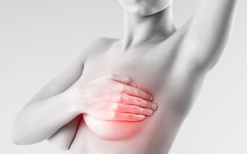 Τι μπορεί να «κρύβει» ο πόνος στο γυναικείο στήθος