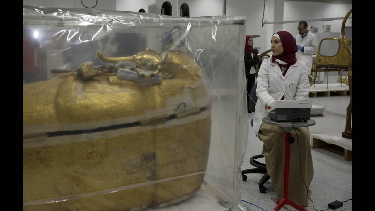 Παρουσιάσθηκε η υπό αποκατάσταση σαρκοφάγος του Τουταγχαμών