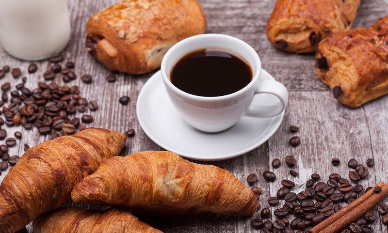 Καφές με άδειο στομάχι: Τι μπορεί να πάθετε…