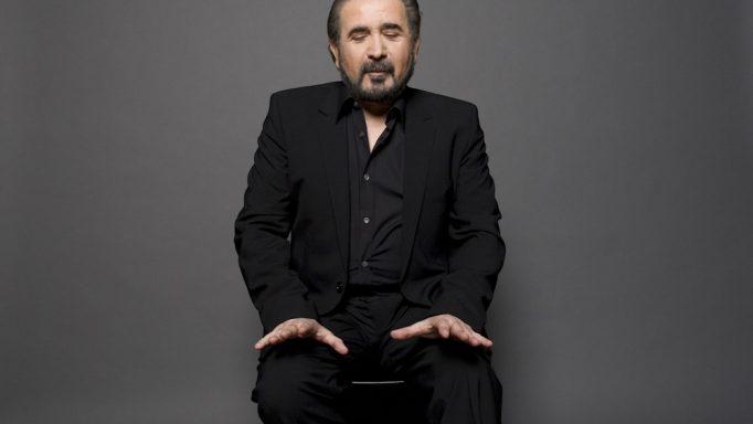 Λάκης Λαζόπουλος: Ράγισαν καρδιές τα λόγια του στην εξόδιο ακολουθία της συζύγου του! «Αντίο, κορίτσι μου…»