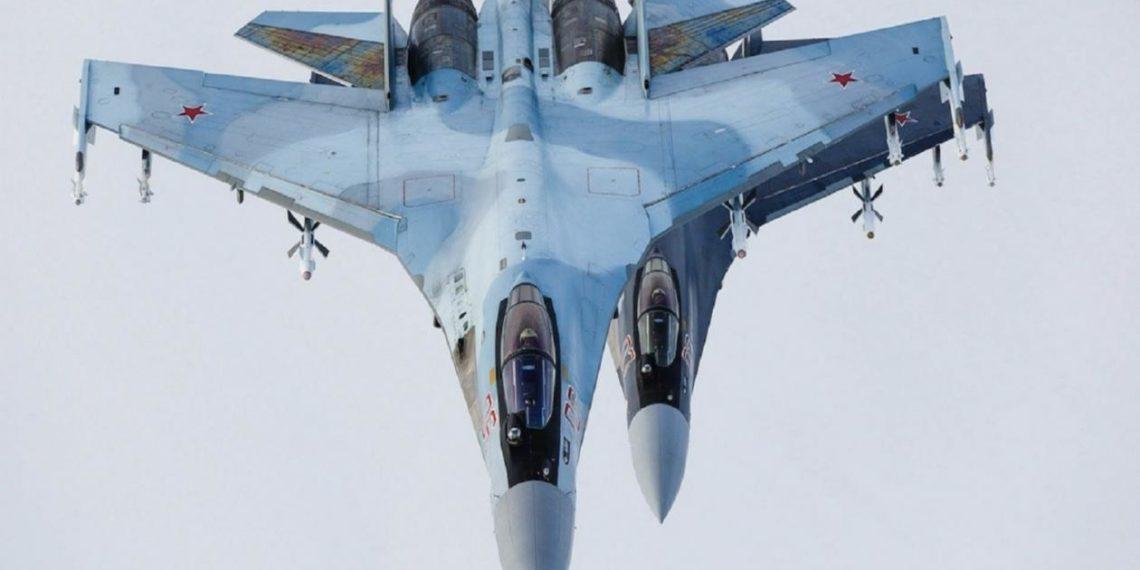 MiG-31BM: Ρωσικά μαχητικά «κυνηγιούνται» στον αέρα [pic]