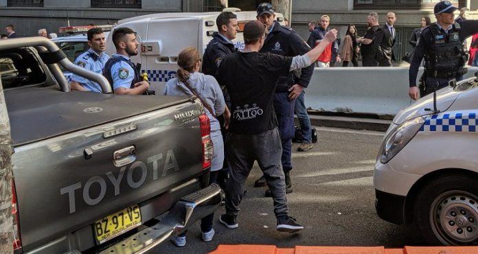 Ο Αλλάχ ξαναχτύπησε στην Αυστραλία… επίθεση με μαχαίρι στο Σίδνεϊ