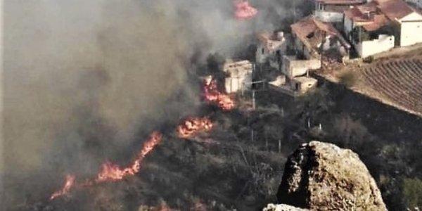 Γκραν Κανάρια: «Περιβαλλοντική τραγωδία» – Ανεξέλεγκτη η τρίτη φωτιά
