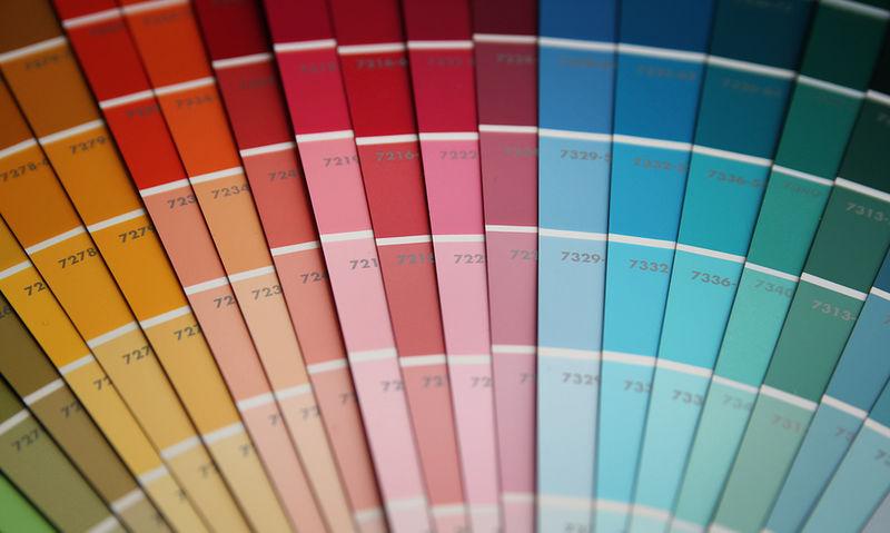 Τι δείχνει το χρώμα των ούρων για την υγεία σας (εικόνες)