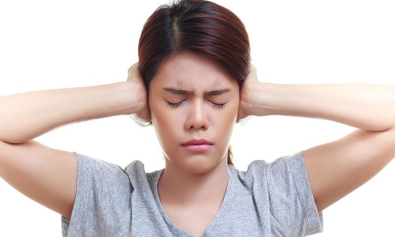 Βουητό στα αυτιά: Τι το προκαλεί, πώς θα προφυλαχτείτε