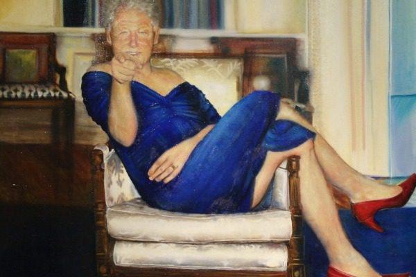 Ο πίνακας του Μπιλ Κλίντον με γόβες και φόρεμα που βρέθηκε στο σπίτι του Έπσταϊν