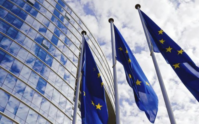 Η Κομισιον καλεί τη Βρετανία να καταθέσει νέες προτάσεις για το Brexit