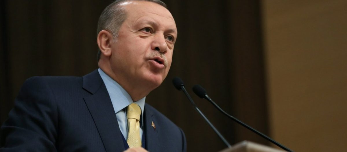 """Ρ.Τ.Ερντογάν: «Την έχω """"γραμμένη"""" την Δύση & τις απειλές της – Μόνο στον Αλλάχ θα σκύψω» (φωτό, βίντεο)"""