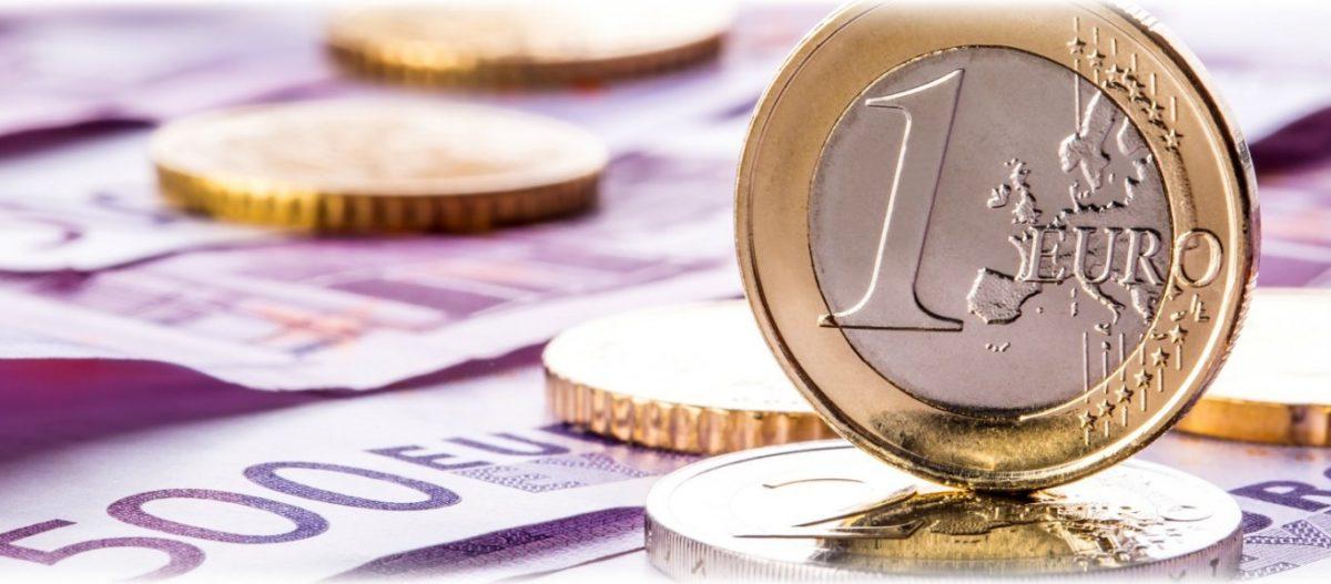 Τέλος τον Οκτώβριο στα capital controls – Σενάρια για «κούρεμα» καταθέσεων του εξωτερικού