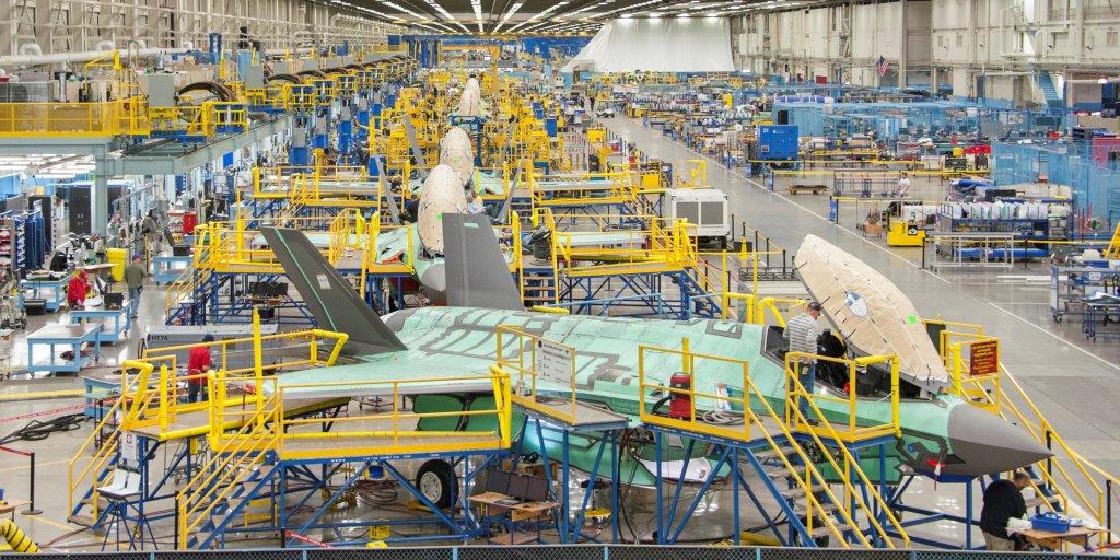 F-35: Τι συμβαίνει στο εσωτερικό ενός εργοστασίου παραγωγής μαχητικών αεροσκαφών [vid/pic]