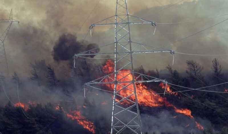 Να πως πιάνει φωτιά στις 3 τα ξημερώματα: Καταγγελίες των κατοίκων της Παιανίας για εκρήξεις…