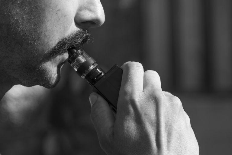 Συναγερμός για το ηλεκτρονικό τσιγάρο – Έκτακτη ανακοίνωση