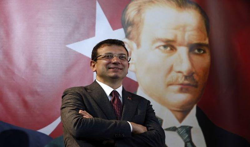 Τουρκία: Ο Ιμάμογλου κόβει τη χρηματοδότηση στα φιλοκυβερνητικά ιδρύματα