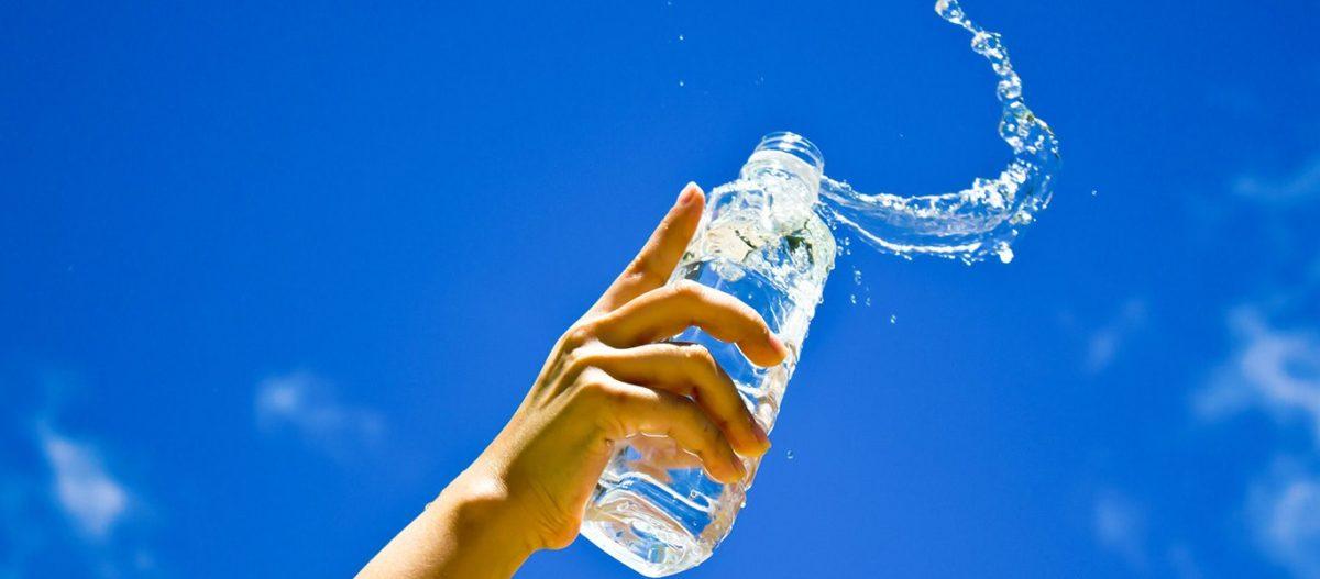 Αυτές είναι οι ώρες της μέρας που δεν πρέπει να πίνεις ποτέ νερό
