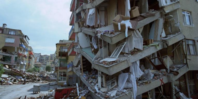 20 χρόνια από τον μεγάλο σεισμό στην Κωνσταντινούπολη – Καθοριστική η βοήθεια των Ελλήνων [pic]