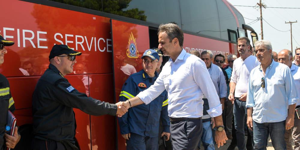 Στην Εύβοια ο Μητσοτάκης: Ξεκινά άμεσα η καταγραφή των ζημιών [βίντεο]