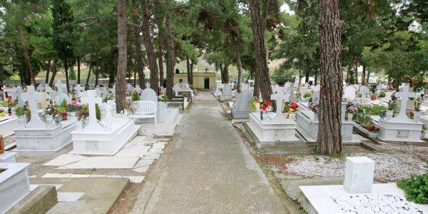 Φρίκη στο νεκροταφείο του Ναυπλίου – Νεκρό βρέφος εκτός τάφου