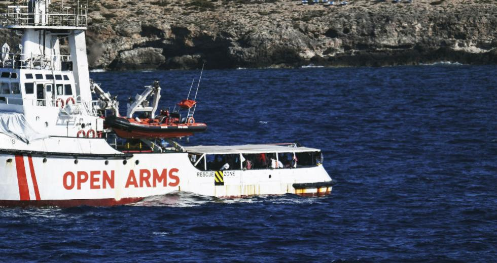 Παρέμβαση εισαγγελέα για αποβίβαση των μεταναστών στην Ιταλία