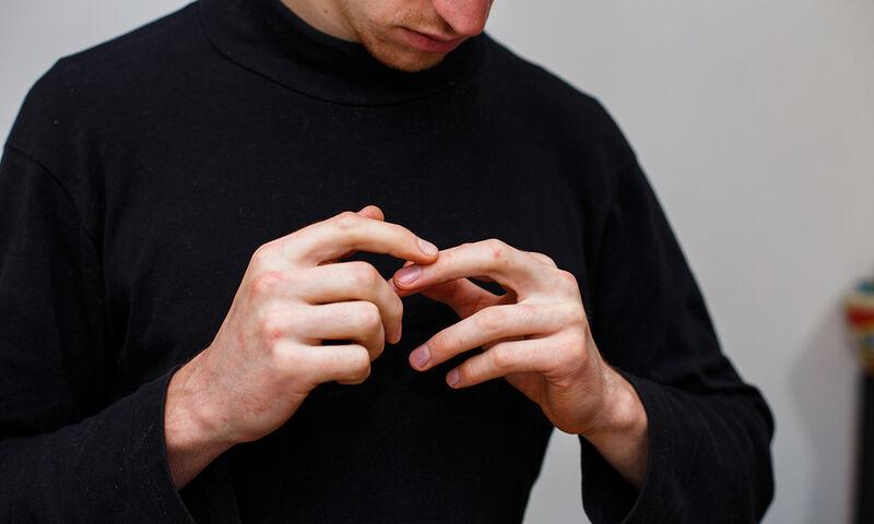 Ψωριασική αρθρίτιδα: Πώς επηρεάζει το σώμα (video)