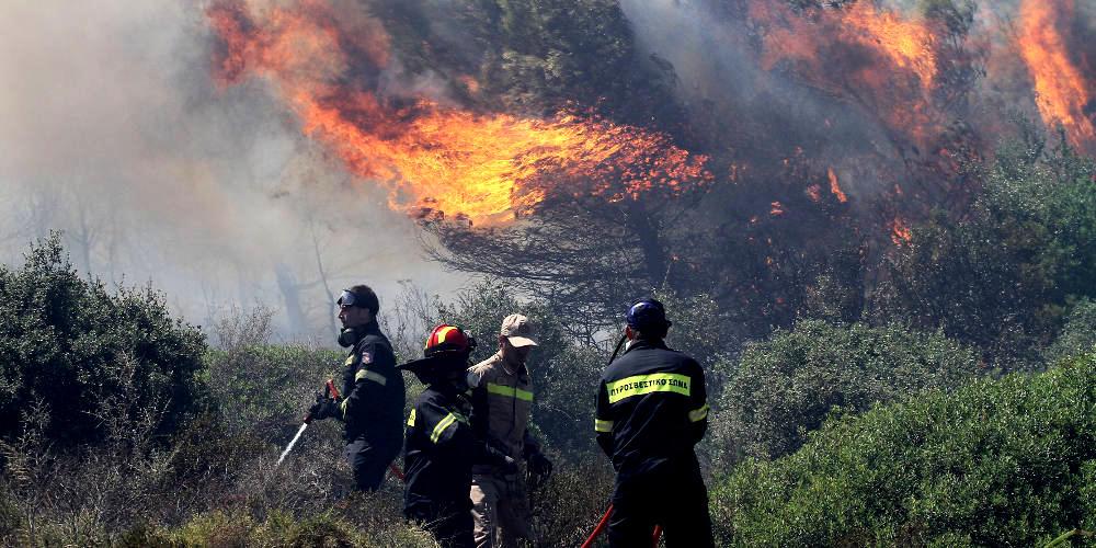 Πυρκαγιά εκδηλώθηκε πριν λίγο στον Μαραθώνα