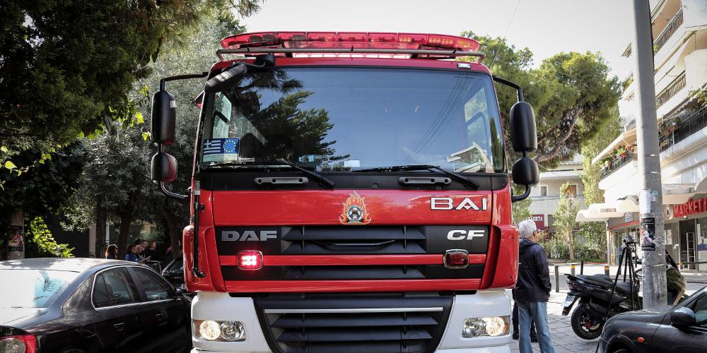 Μεγάλη φωτιά σε σπίτι στην Κυψέλη – Πληροφορίες για τραυματίες