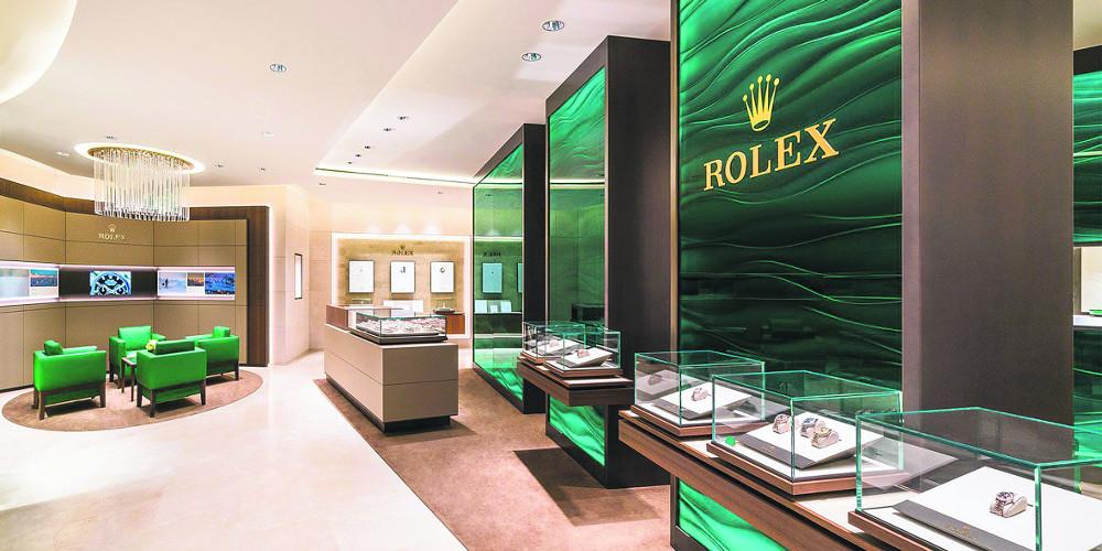 Ασφαλή… «καταφύγια» σε Rolex, Bentley, Aston Martin βρήκαν οι Έλληνες