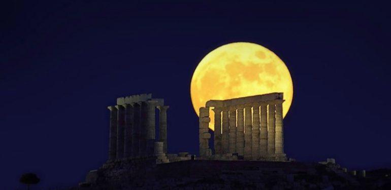 Ελληνικό μεγαλείο: Στο Σούνιο καταγράφηκε η μεγαλύτερη έκλειψη σελήνης του αιώνα! | ΒΙΝΤΕΟ