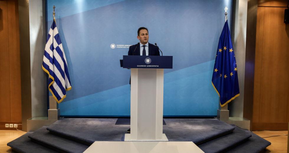 Σύγκρουση ΣΥΡΙΖΑ-κυβέρνησης μετά τις δηλώσεις Πέτσα για τα πλεονάσματα