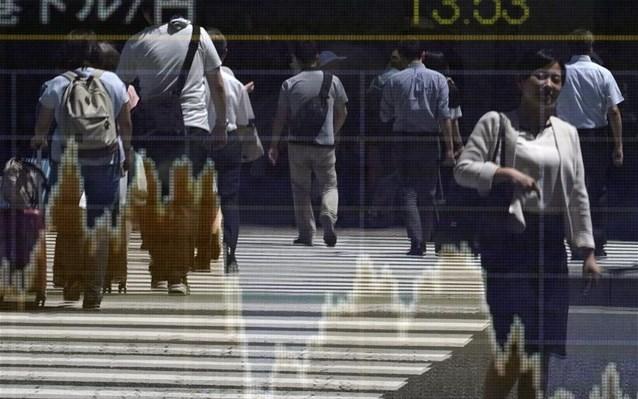 Aπό το Χονγκ Κονγκ έως την Αργεντινή οι εξελίξεις προκαλούν τριγμούς στις αγορές