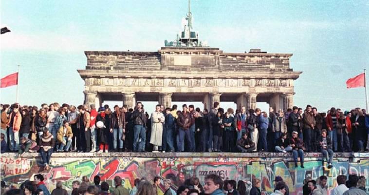 """Μέρκελ & Ορμπάν, 30 χρόνια από την αρχή του τέλους του """"Παραπετάσματος"""""""
