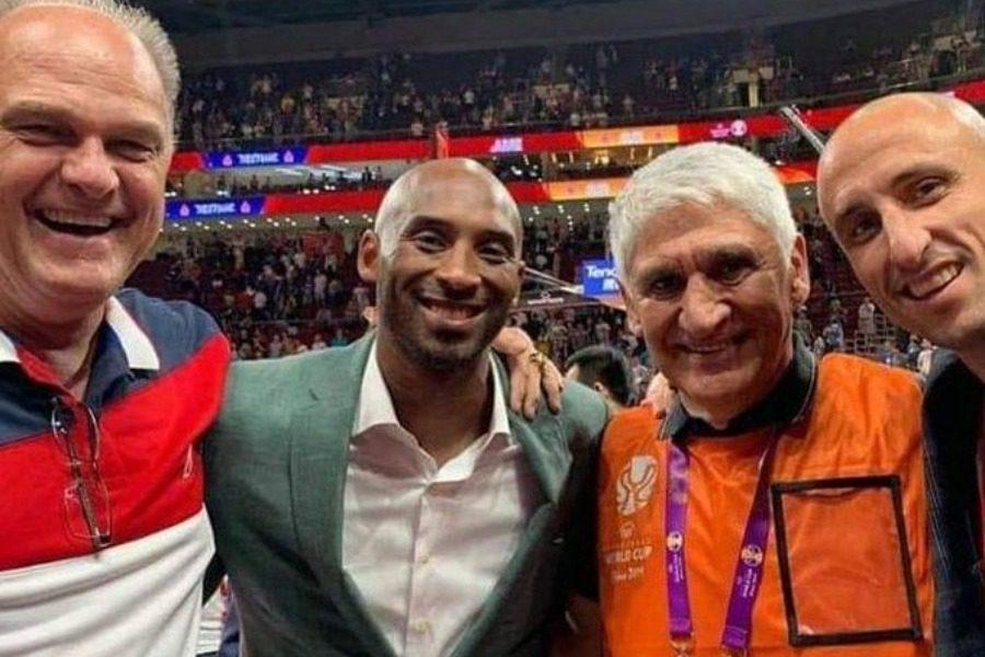 Τέσσερις θρύλοι του μπάσκετ στην ίδια selfie ‑ Ιστορική συνάντηση στην Κίνα