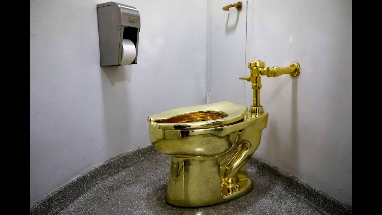 Βρετανία: Έκλεψαν χρυσή τουαλέτα 18 καρατίων από το Ανάκτορο του Τσόρτσιλ