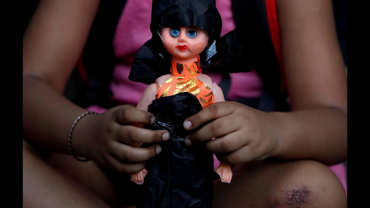 Ινδία: Καταδικάστηκαν έξι άνδρες για τον βιασμό και τον φόνο οκτάχρονης