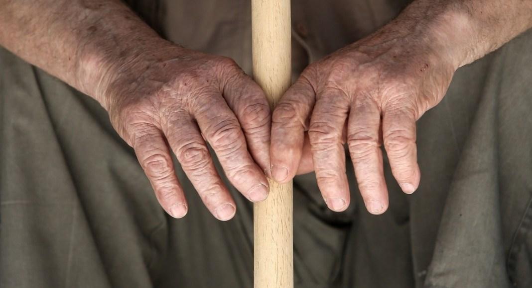 Στο νοσοκομείο 85χρονος που προσπάθησε να σταματήσει ληστή στα Πατήσια