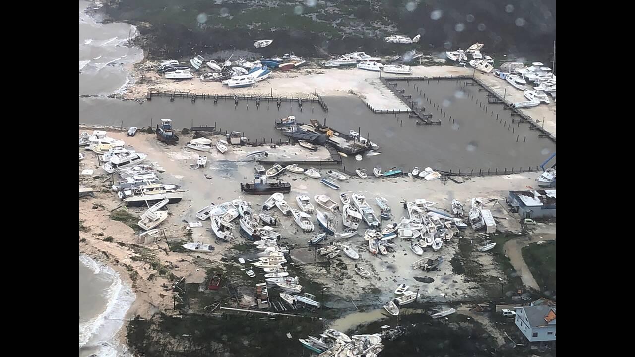 Τυφώνας Ντόριαν: Αγνοούνται πάνω από 23 μέλη της οικογένειας του ηθοποιού Σίντνεϊ Πουατιέ