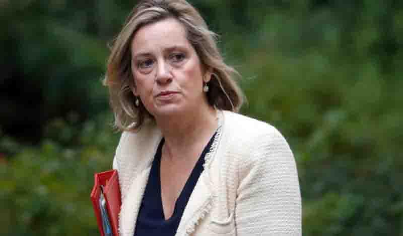 Νέο πλήγμα για τον Μπόρις Τζόνσον- Παραιτήθηκε η υπουργός Εργασίας, εξαιτίας των διαγραφών βουλευτών