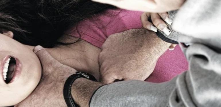 Κρήτη: 12χρονος σταμάτησε 42χρονο που προσπάθησε να στραγγαλίσει τη μητέρα του!