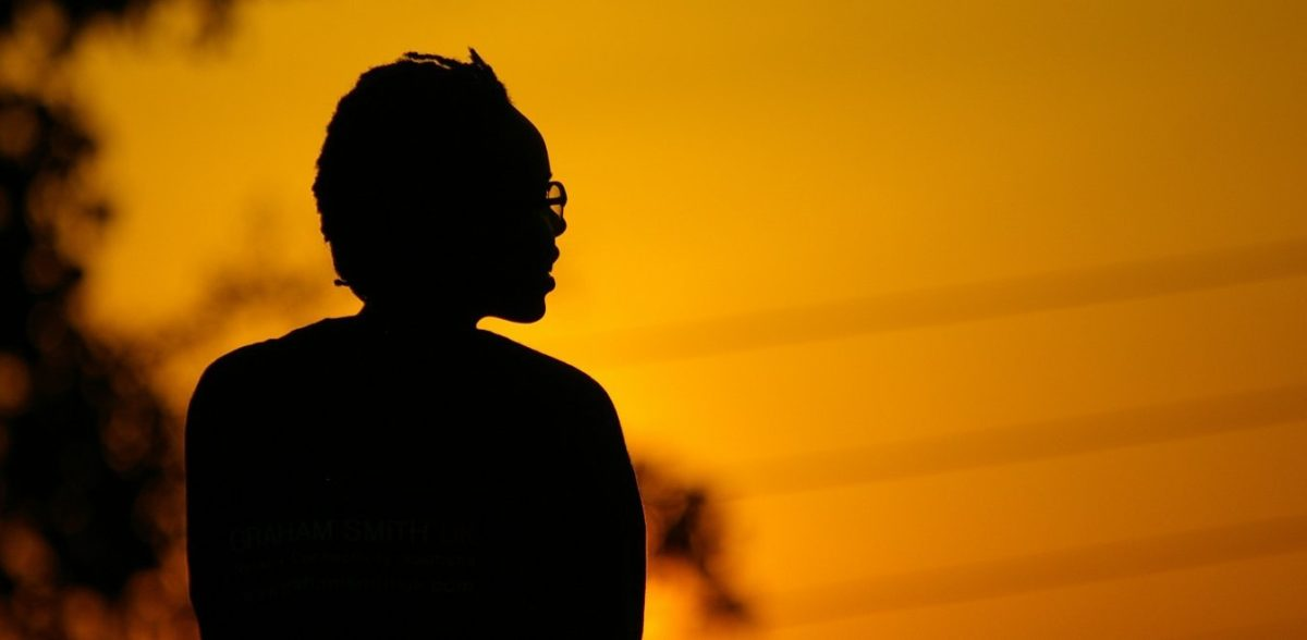 14χρονη λερώθηκε από την περίοδό της, καθηγητής την προσέβαλε και εκείνη αυτοκτόνησε