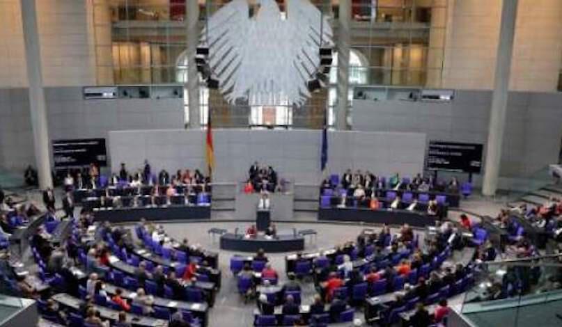 Γερμανία: «Πράσινο φως» για διαπραγματεύσεις για την ένταξη Τιράνων και Σκοπίω στην Ε.Ε