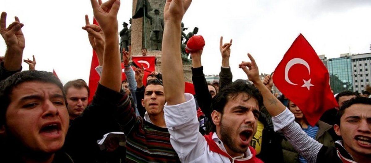 Κλιμάκωση: Oι Γκρίζοι Λύκοι απειλούν την ζωή του 16χρονου Ελληνοκύπριου που κατέβασε την τουρκική σημαία! (βίντεο)