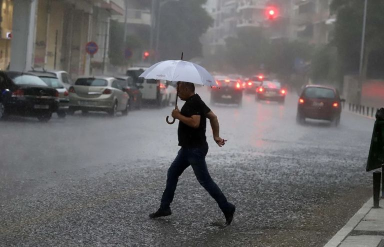 Πρόγνωση καιρού: Χαλάει ο καιρός με αισθητό κρύο, βροχές και καταιγίδες
