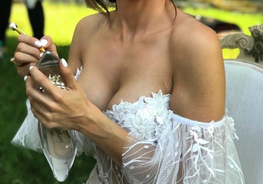 Γνωστή Ελληνίδα τραγουδίστρια παντρεύτηκε! [pics]