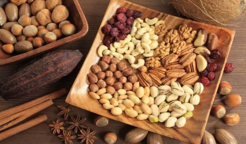 Νέα έρευνα απενοχοποιεί την κατανάλωση των ξηρών καρπών