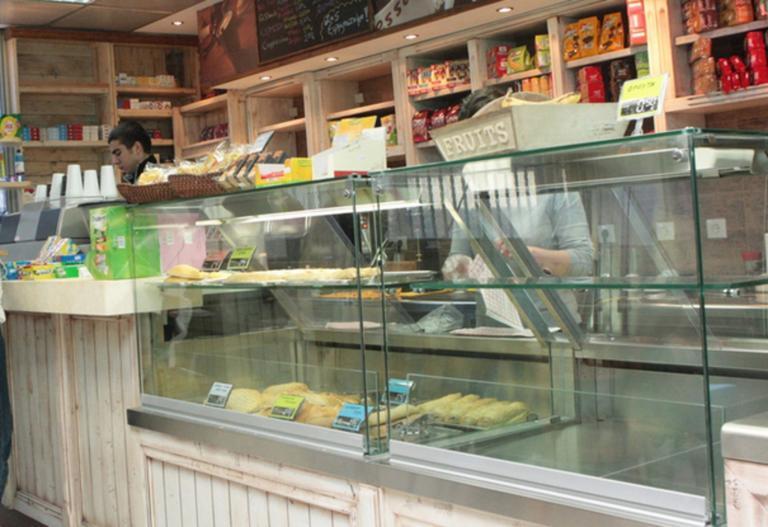 Σχολεία: Γονείς προσοχή! Τι να κάνετε αν το κυλικείο πωλεί «απαγορευμένα» τρόφιμα