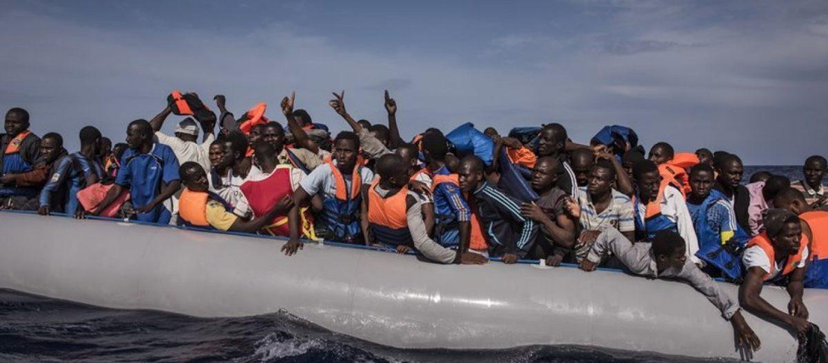«Φραγή» στο δουλεμπόριο: «Φύλλο και φτερό» 172 ΜΚΟ κάνει η κυβέρνηση – Δικαστές στις επιτροπές ασύλου