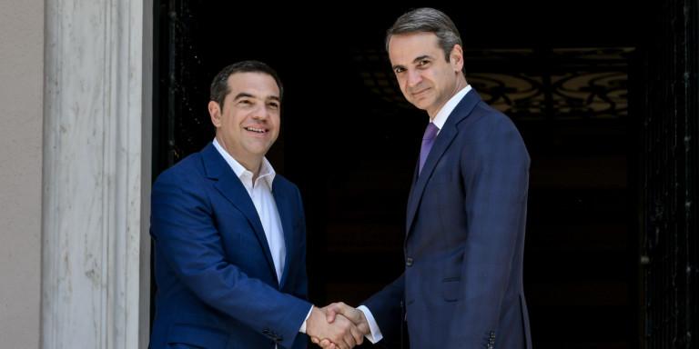 Δημοσκόπηση Metron Analysis: Κυριαρχία Μητσοτάκη -16,5% μπροστά η ΝΔ έναντι του ΣΥΡΙΖΑ