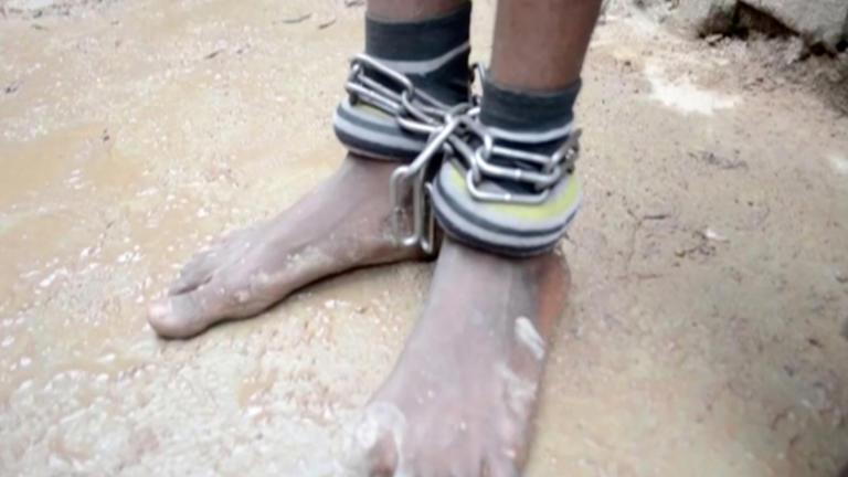 Νιγηρία: Το σχολείο της φρίκης! Κρατούσαν 300 αγόρια αιχμάλωτα