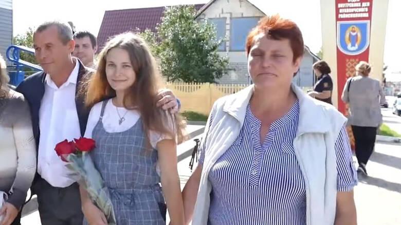 Πατέρας ξέχασε την τετράχρονη κόρη του στο τρένο – Τη βρήκε 20 χρόνια μετά