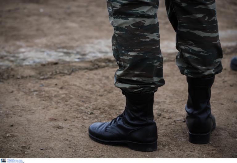 Γεραπετρίτης: Δεν αυξάνεται η στρατιωτική θητεία